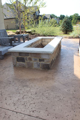 B t klein s landscaping hardscapes firepits for Rectangular stone fire pit