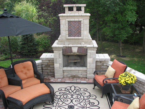 B t klein s landscaping hardscapes fireplaces for Fireplace on raised deck