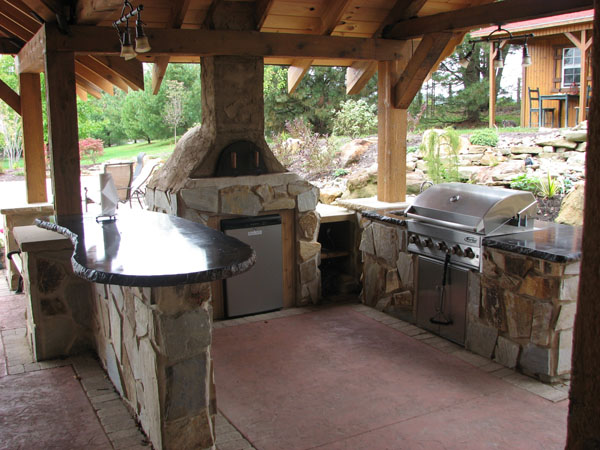 Klein 39 s lawn landscaping hardscapes outdoor kitchens for Cuisine outdoor
