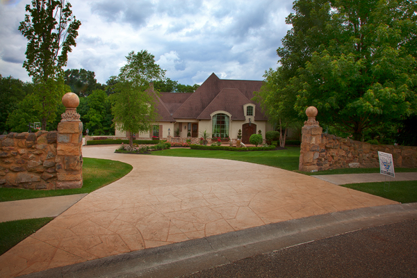 Flagstone Pattern Concrete Driveway Overlay