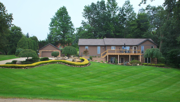 Residential Mowing and Landscaping Maintanence