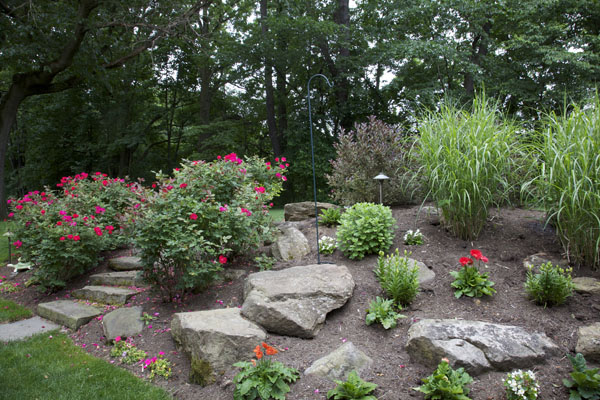 B t klein s landscaping landscapes designed landscapes for Hillside landscaping
