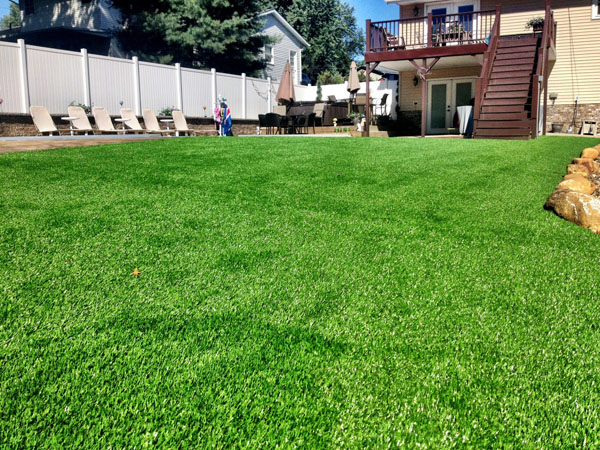 Turf Vs Grass Backyard : Kleins Lawn & Landscaping  Synthetic Turf  Landscape Grass