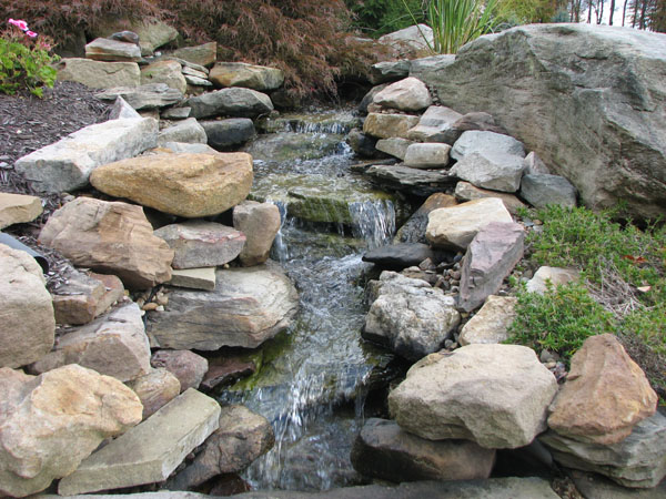 Pinterest the world s catalog of ideas for Small pond waterfall